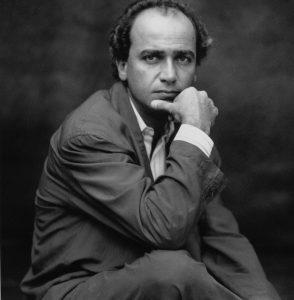 Press photo (1990)