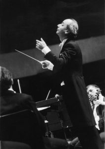 Concert with the Orquesta Sinfónica Gran Mariscal de Ayacucho (Caracas, 1998)