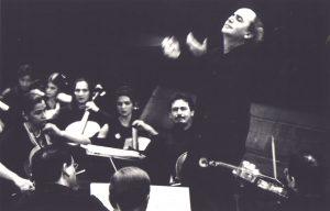 Conducting the Orquesta Sinfónica Simón Bolívar (Caracas, 2000)