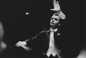 Concert with the Orquesta Sinfónica Venezuela (Caracas, 1990)
